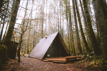 Skyhaus-Cabin-Washington-TheMandagies.jpg
