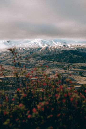 Mt-St-Helens-Cloudy-Sunrise-TheMandagies.jpg