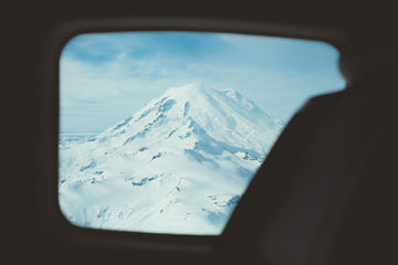 Mt-Rainier-from-above-TheMandagies.jpg