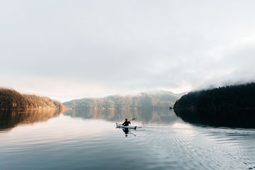 Lake-Crescent-Morning-TheMandagies.jpg