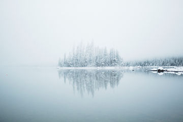 Snowy-Lake-Wenatchee-Morning-TheMandagies.jpg