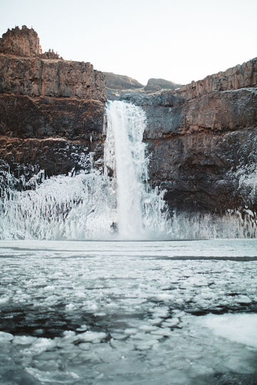 FrozenPalouseFalls-Winter-98.jpg