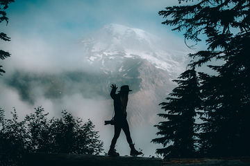Silhouette-Mt.Rainier-Washington-TheMandagies.jpg